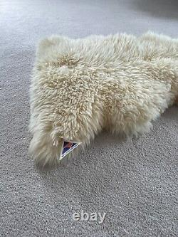 REAL NEW ZEALAND SHEEPSKIN PELT RUG THROW SEATCOVER Brand New With Tag